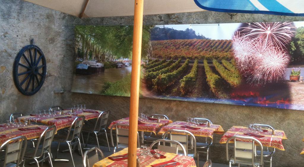 Déjeuner en terrasse à Carcassonne